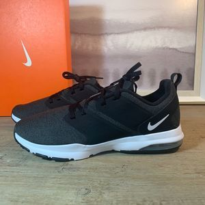 NEW Nike Air Bella Black Sneaker / 7